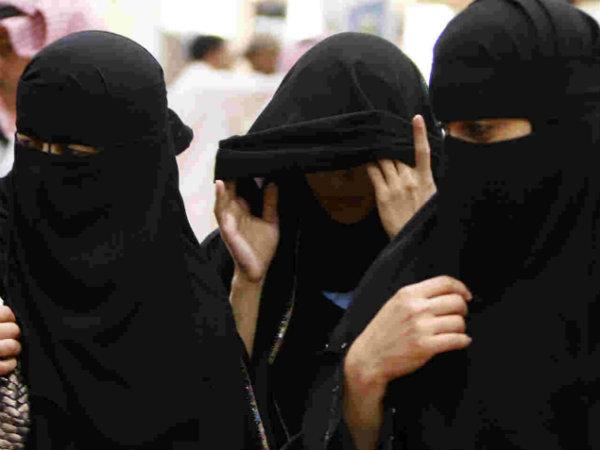 saudi-arabia-women-divorce-notice-1