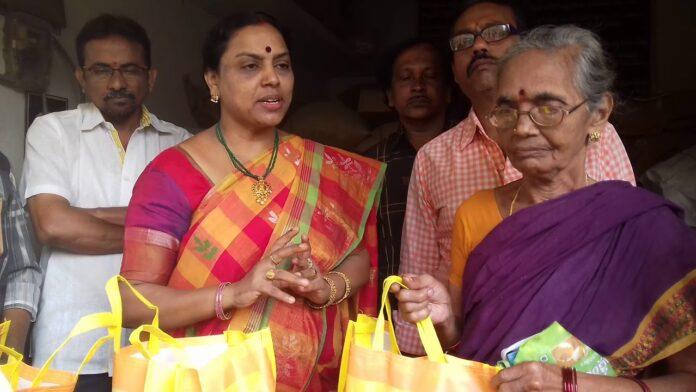Vavilala Sarala Devi compaining photos, Vavilala Sarala Devi, Newsxpressonline